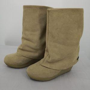 Bearpaw Women's 9 Suede, Wool Lined Wedge Boot